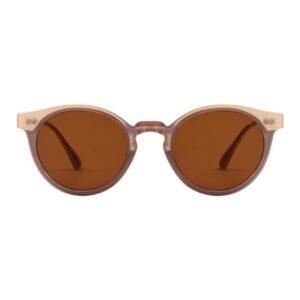 Eazysolbrillelight grey fraA.Kjærbede Super flottelysegrå solbrillerfra det populæredanske mærke A.Kjærbede. De flotteEazysolbriller fra A.Kjærbede har et supersmart design med stærke scratch-resistant polykarbonatlinser så de ikke så