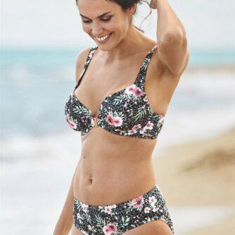 Blomstrede bikinitrusser
