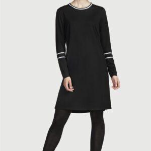 Jerseykjole med kontrastfarvede detaljer